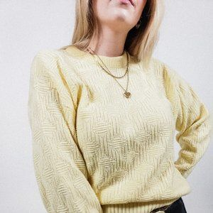 Vintage Sweaters - Vintage yellow crew neck knit sweater pattern